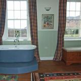 Have a relaxing bath and enjoy a 20-mile view
